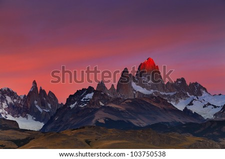 mount fitz roy  alpenglow