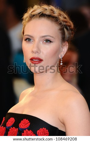 scarlett johansson arrives for