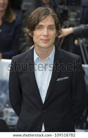 cillian murphy arriving for
