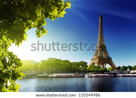 seine in paris with eiffel