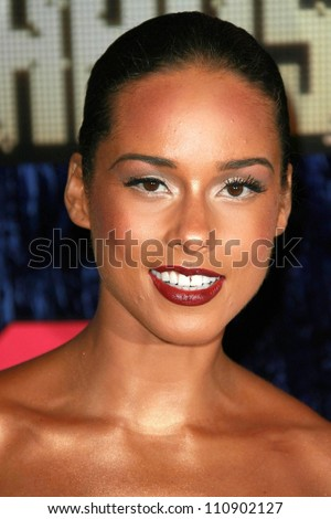 alicia keys arriving at the