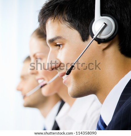 three support phone operators
