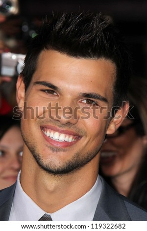 taylor lautner at