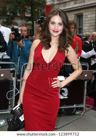 alison brie arriving for the