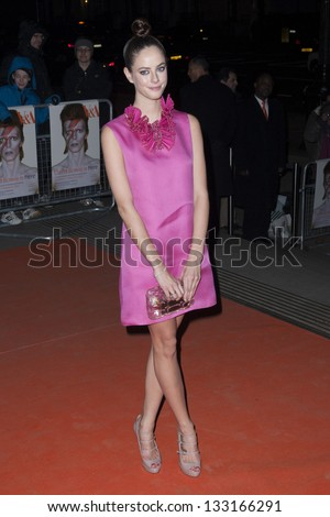 kaya scodelario arriving for