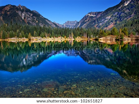 Gold Lake Reflection Mount Chikamin Peak Fall Snoqualme Pass Wenatchee National Forest Wilderness Washington