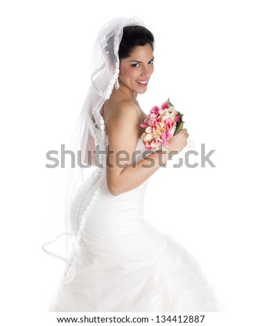 a beautiful bride posing in her wedding day