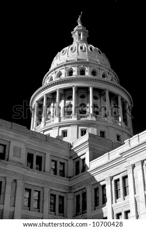 A Black & White shot of the Texas State Capitol, with focus on the tall dome