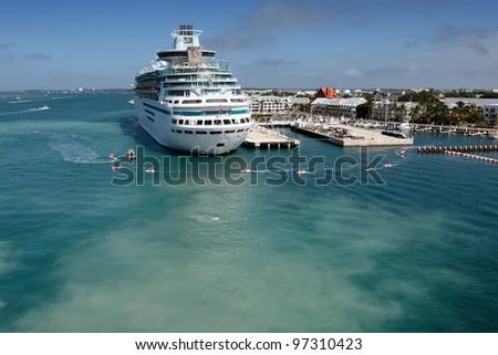 Luxury Cruise Ship Port Stock Photo 275086532 Shutterstock