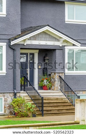 Nice entrance luxury house vancouver canada stock photo for Nice houses in canada