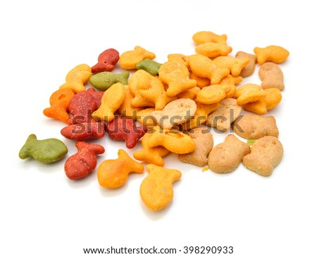 A scaterring of yellow goldfish crackers.