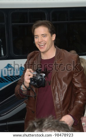 Actor BRENDAN FRASER at the world premiere, in Hollywood, of his new movie Looney Tunes Back in Action. November 9, 2003  Paul Smith / Featureflash