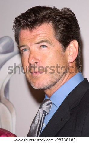Actor PIERCE BROSNAN at the 25th Annual Women in Film Crystal Awards at the Century Plaza Hotel, Los Angeles. 08JUN2001.   Paul Smith/Featureflash