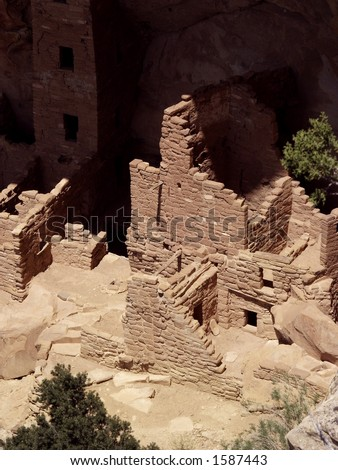 Anasazi cliff dwelling in Mesa Verde National Park, Colorado