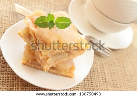 apple pie and cup
