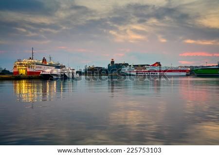 New Orleans Paddle Steamer Mississippi River Stock Photo ...