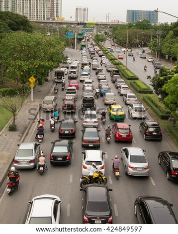 BANGKOK , THAILAND - MAY 23, 2016 : Bangkok, Thailand 2016, Bangkok traffic in a morning, Rush hour on the Srinakarin road. First Day of School, resulting in a traffic jam throughout Bangkok.