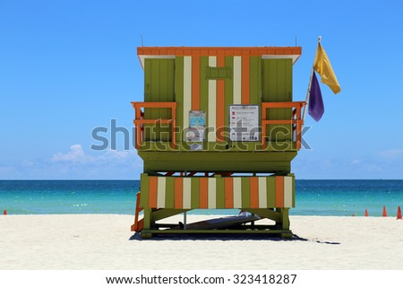 Beach with lifeguard hut facing the ocean