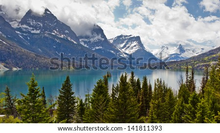 Beautiful landscape view of St  Mary Lake in Glacier National Park, Montana, USA