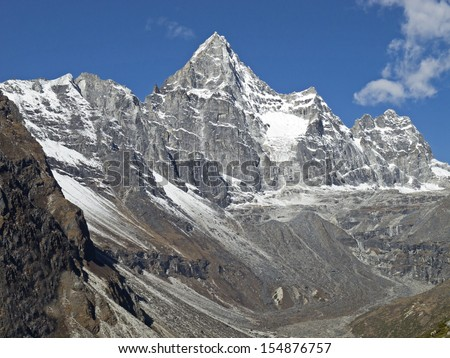 Beautiful mountain view of Everest Region, Sagarmatha National Park, Himalayas, Nepal.