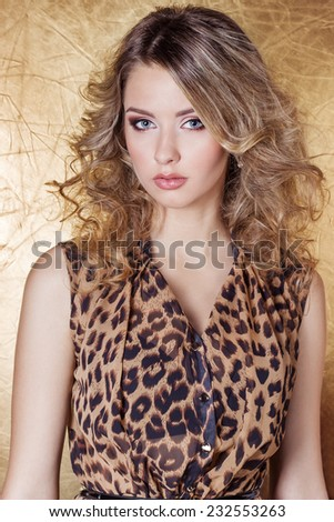 Hairstyle leopard dress