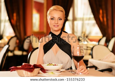 Online dating Στράουντ
