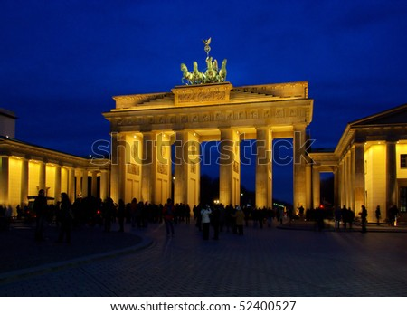 Berlin Brandenburg Gate night