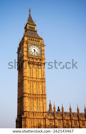 Big Ben Clock Tower with Blue Sky, England, United Kingdom.