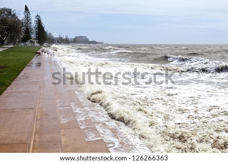 Big waves and destruction in Redcliffe Peninsula, South-East Queensland, on January 26-28, 2013