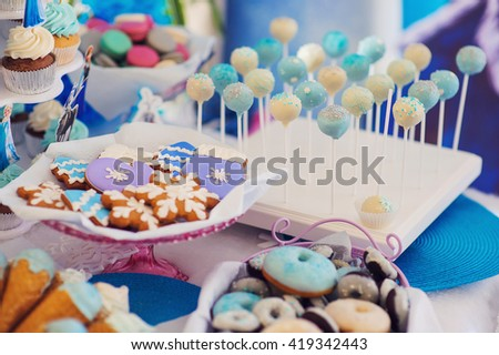 Birthday Dessert celebration candybar in white and blue colors.