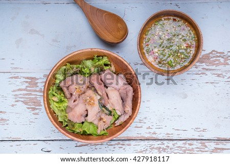 Boiled pork dip with Spicy sauce