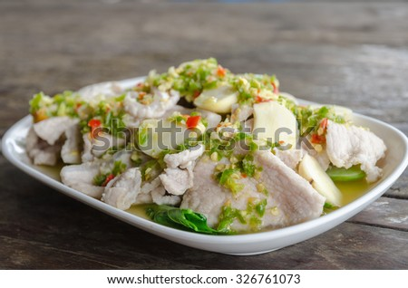 Boiled pork with lime, garlic and chili sauce
