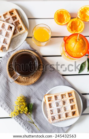 breakfast with waffles