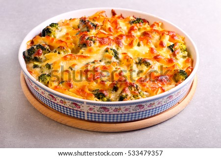 Broccoli cheese pasta bake in a tin