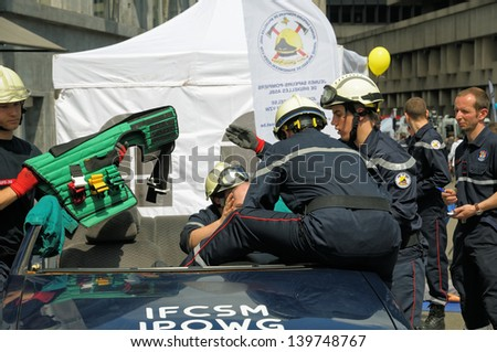 BRUSSELS, BELGIUM-MAY 5: Belgian rescue service demonstrate skills during annual Day of Iris - Fete de l'Iris on May 5, 2013 in Brussels