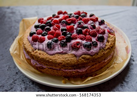 cake heartshaped with decoration