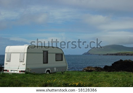 Caravan in Dingle Ireland with a beautiful view on the atlantic ocean
