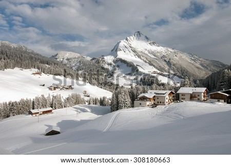 Chalets in the village of Warth-Schröcken, and Mount Biberkopf, Warth am Alberg,Vorarlberg, Austria