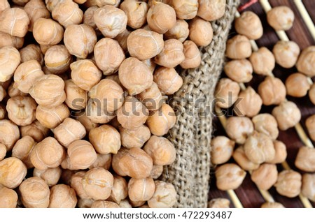 chickpea in sack on wooden table