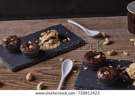 Chocolate Overdose Cream Stone