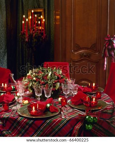 Traditional christmas table setting tree presents stock for Traditional christmas table settings