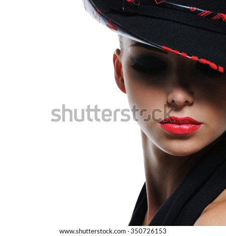 Close-up expressive portrait of glamour fashionable woman with bright red sexy lips