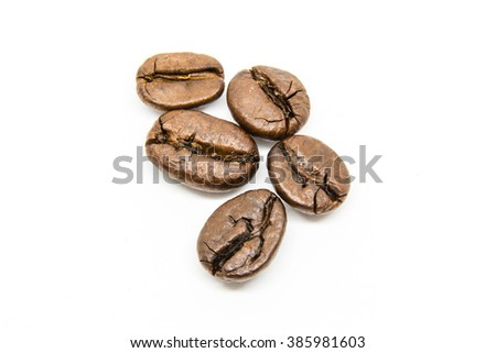 close up roasted coffee bean