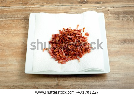 cooked bacon bits