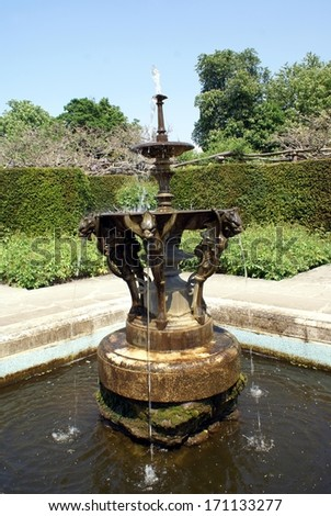 copper-gargoyle-water-fountain at Hever castle, Kent, England