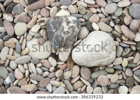 cream-colored pebbles