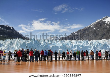 Cruise passengers watching Margerie Glacier,  Alaska, USA