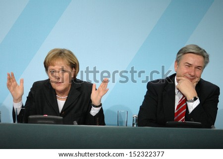 DECEMBER 19, 2007 - BERLIN: Chancellor Angela Merkel and Klaus Wowereit during a press conference in the Chanclery in Berlin.