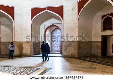 DELHI, INDIA - JAN 18, 2016: Interior of tje Humayun's Mausoleum,the tomb of the Mughal Emperor Humayun in Delhi, India. UNESCO World Heritage Site