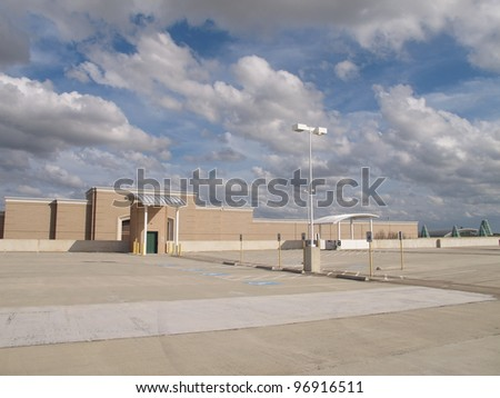 Empty shopping mall rooftop parking lot, Sugar Land, Texas, USA